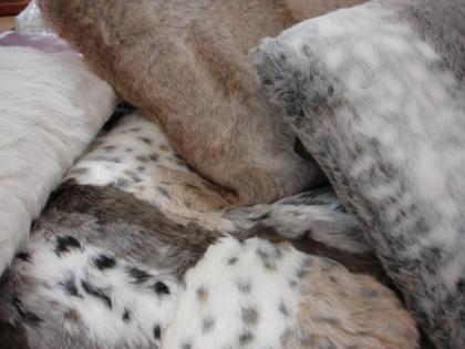 Coussin fourrure - Coussin fausse fourrure blanc ...